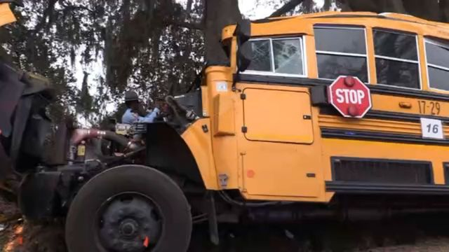 1 dead, more than 20 children injured in school bus accident in Liberty County