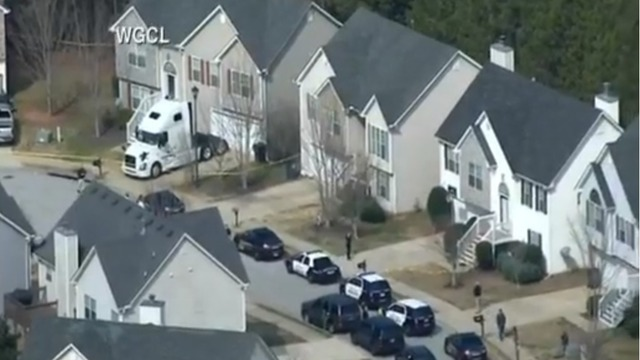 UPDATE: Authorities: Officer, suspect dead in shooting near Atlanta