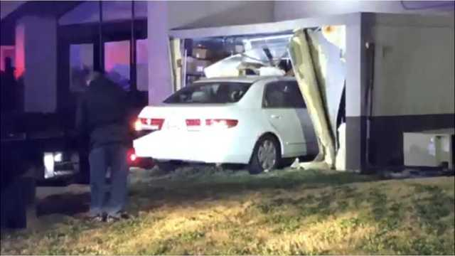 Vehicle slams into Columbus Denny's, witnesses say one person ran from crash